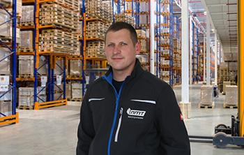 Mitarbeiter für Qualitätskontrolle und Versand
